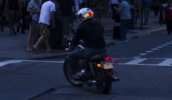 Signal: More Safety Lights On Motorcycle Helmets