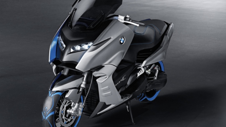 BMW Preparing Maxi Scooter Offensive