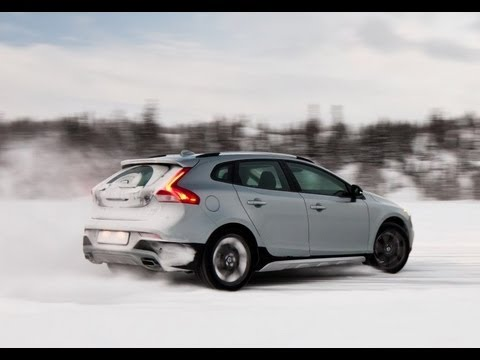 Volvo V40 Cross Country gets AWD News Image