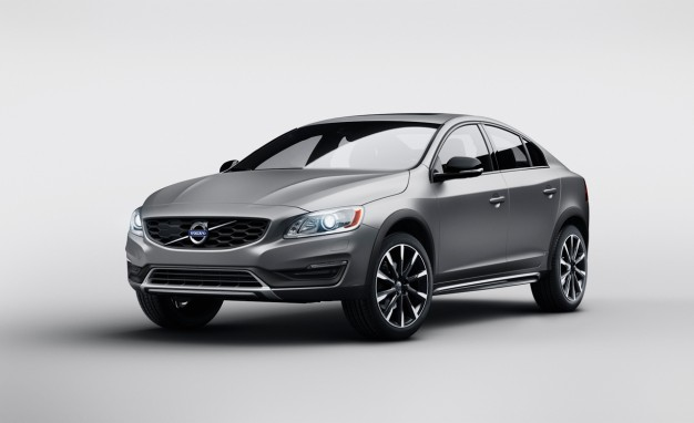 2015 Volvo S60 Cross Country News Image